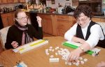 アメリカのキッチンで主婦たちがはまっているのは麻雀!?